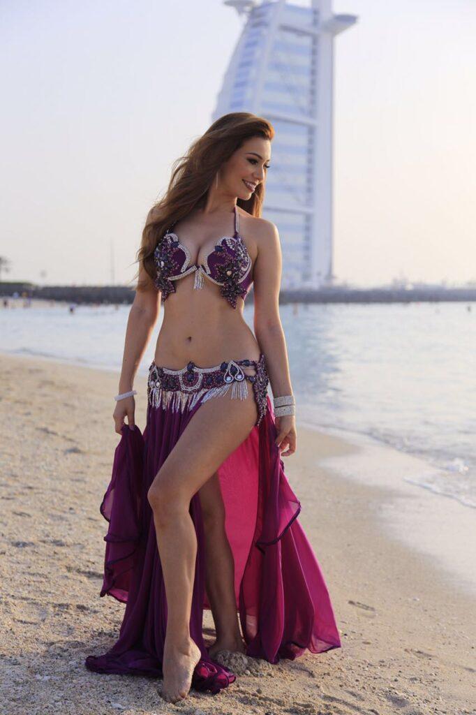 Brazilian Belly Dancer1