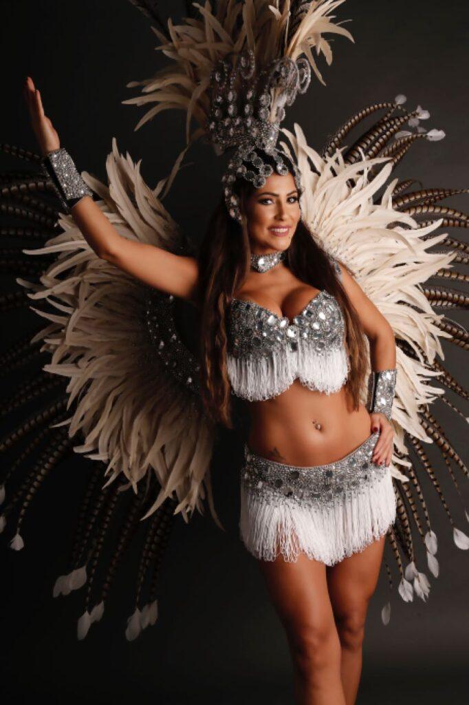 Samba dancer brazilian dancers