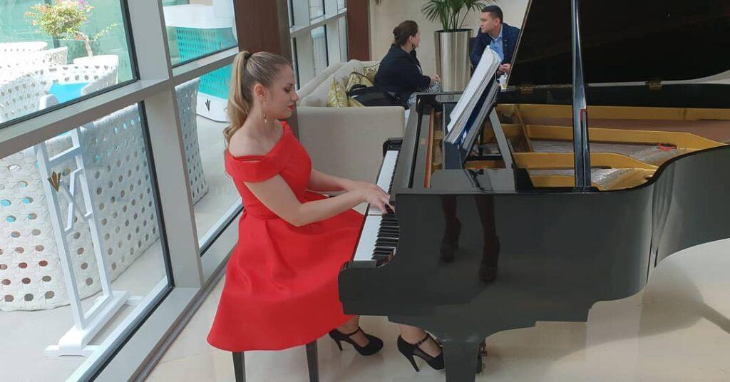 AD - Pianist - GAE events - Dubai - UAE (3)