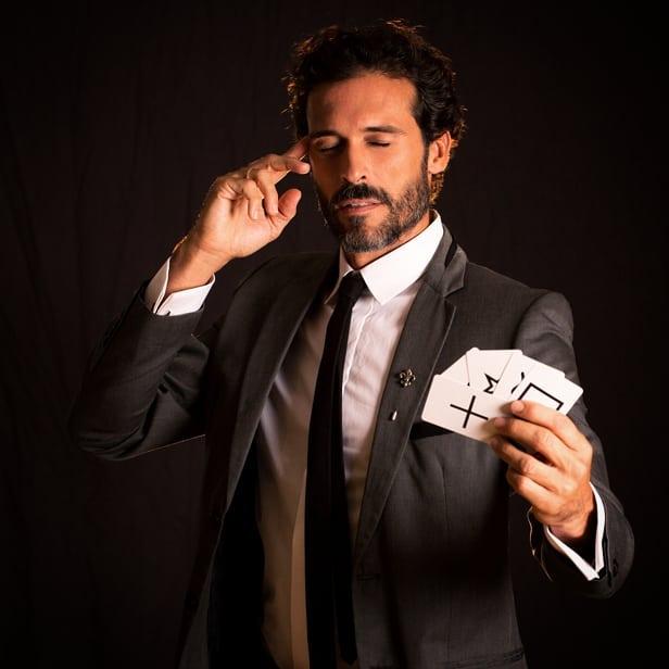 AW - Magician & Illusionist - Gae events - Dubai- UAE (5)