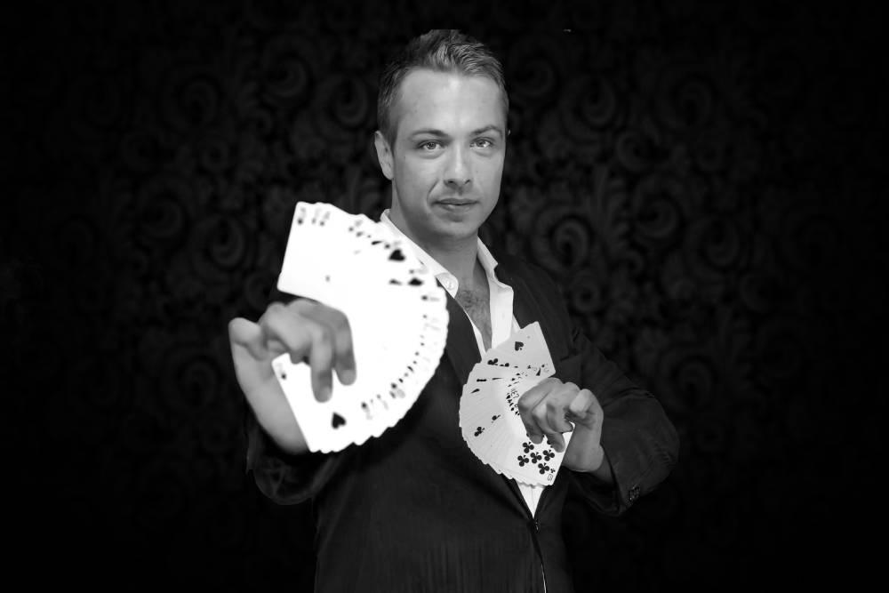JH - Magician & Illusionist - Gae events - Dubai - UAE (4)