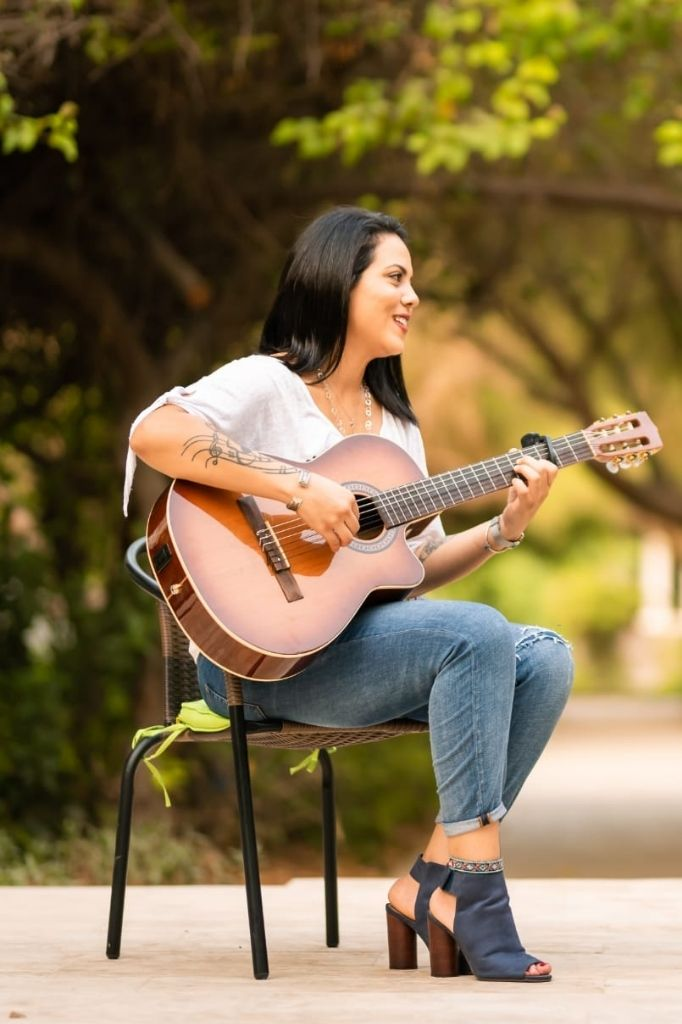 singer guitarist for hire