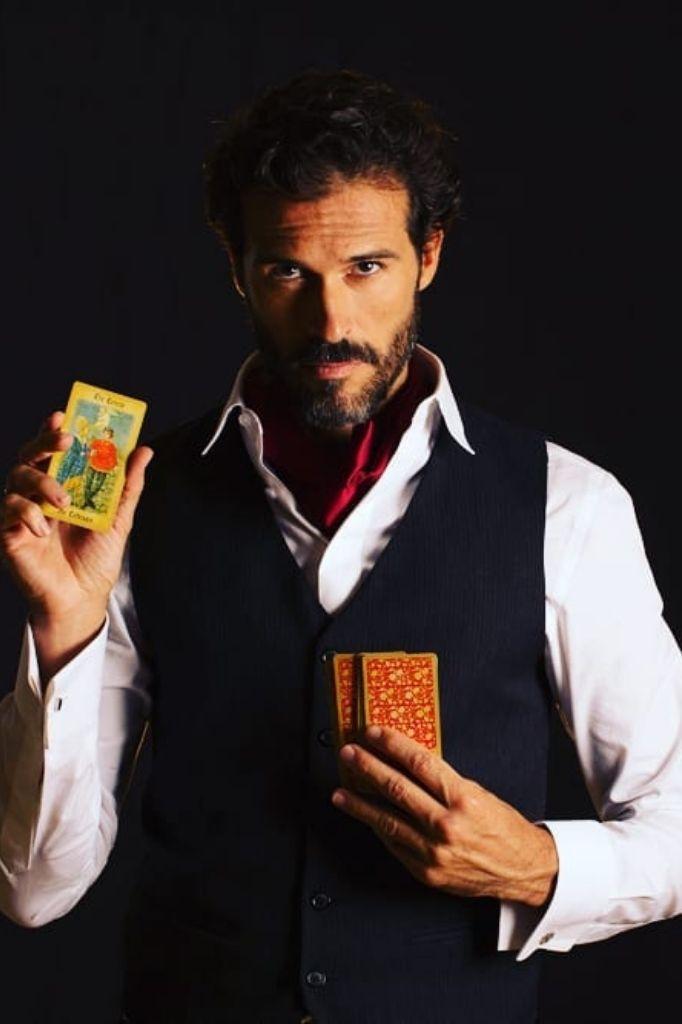 Profile - AW - Magician & Illusionist - Gae events - Dubai- UAE (2)